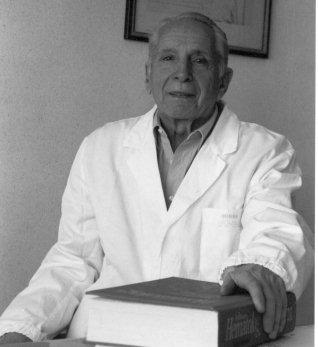 11 novembre 2011 - prof. Sen. Torlontano, omaggio ad un AMICO